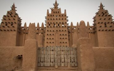 high-quality mud for the buildings in Djenné, Mali